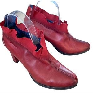 Red leather ankle bootie VGUC SIZE 10